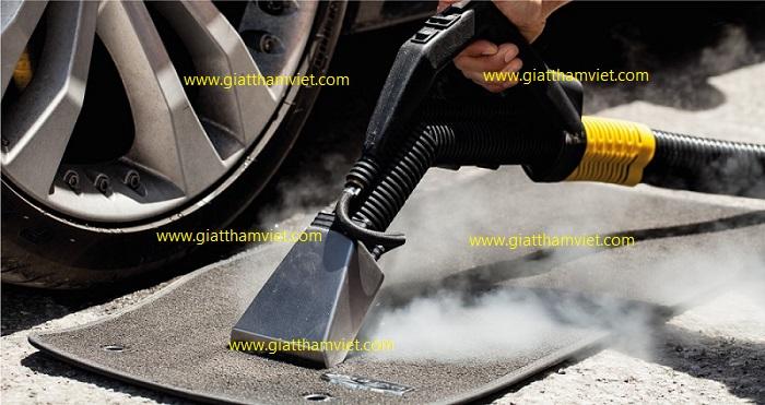 Vệ sinh nội thất xe hơi bằng hơi nước nóng