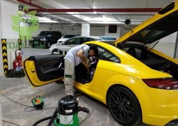 Những lợi ích khi vệ sinh nội thất xe hơi thường xuyên