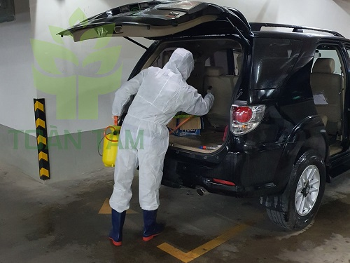 sát khuẩn nội thất xe chống covid