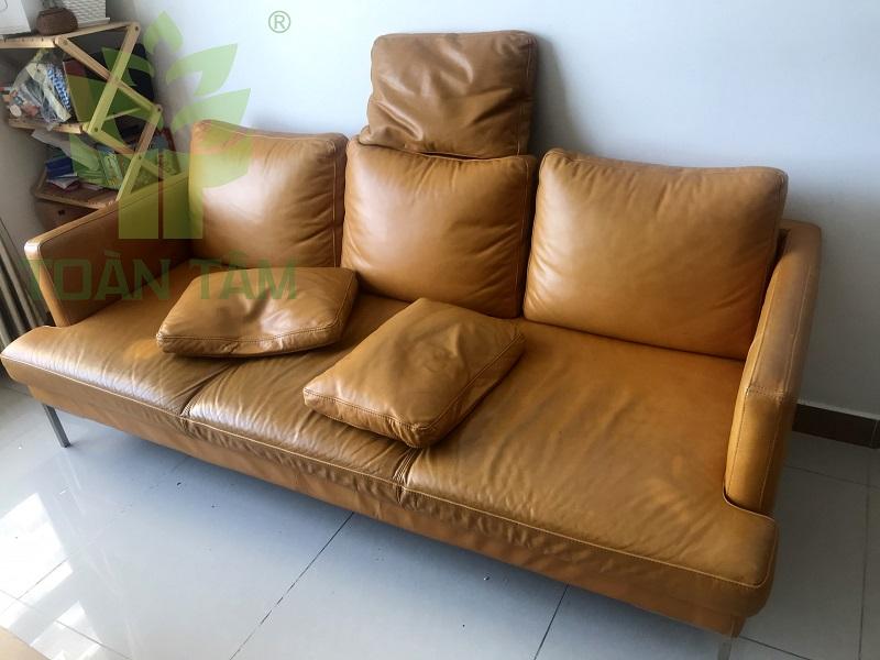 Cần vệ sinh ghế sofa da thường xuyên