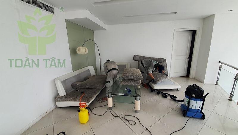 Dịch vụ vệ sinh khử mùi nhà mới chuyên nghiệp