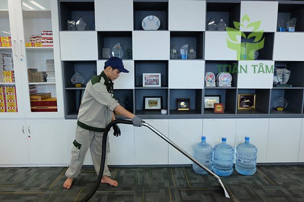 Dịch vụ giặt thảm chuyên nghiệp Toàn Tâm