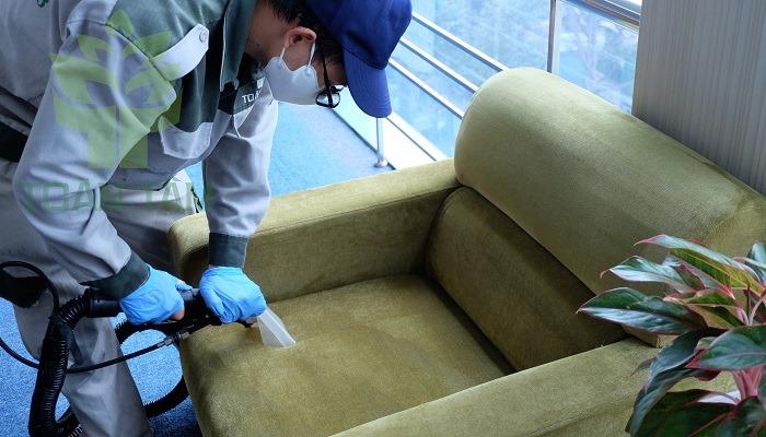 Giặt ghế sofa giúp giữ được vẻ đẹp như mới